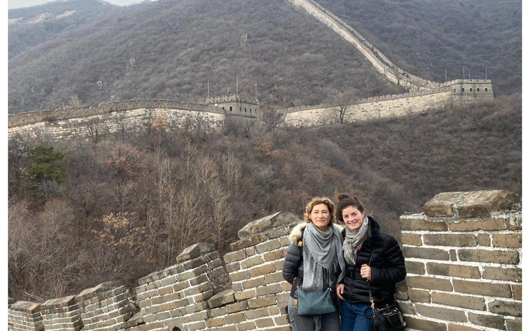 Laura et Aline en Chine pour représenter la Belgique.
